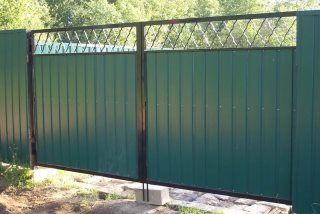 Фото процесса производства Распашные ворота для дачи в Нижнем Новгороде